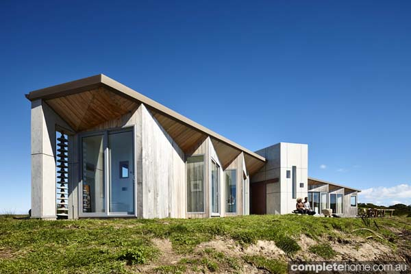 Whale tail house king island tasmania the grand design for Beach house designs tasmania
